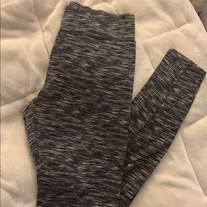 Spacedye leggings, NWOT,S but fit like XS, blkWht